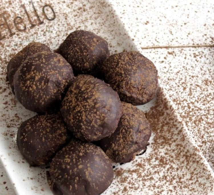 Keto Chocolate Dipped Snickerdoodle Balls