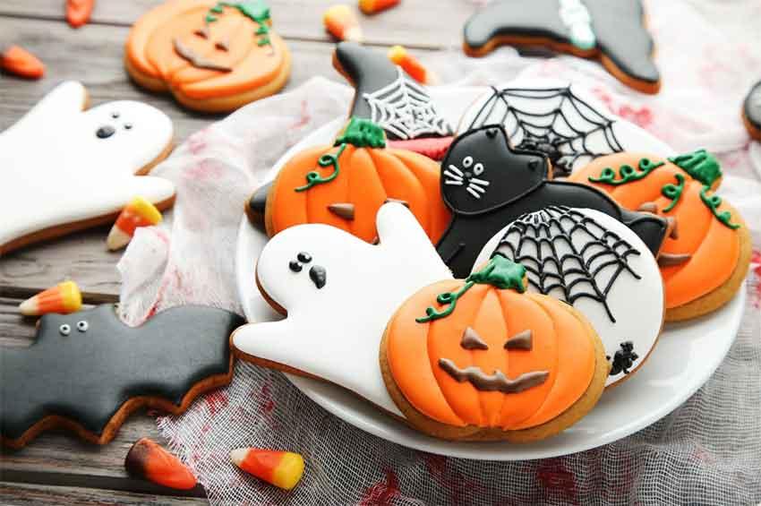 pumpkin spice halloween cookies