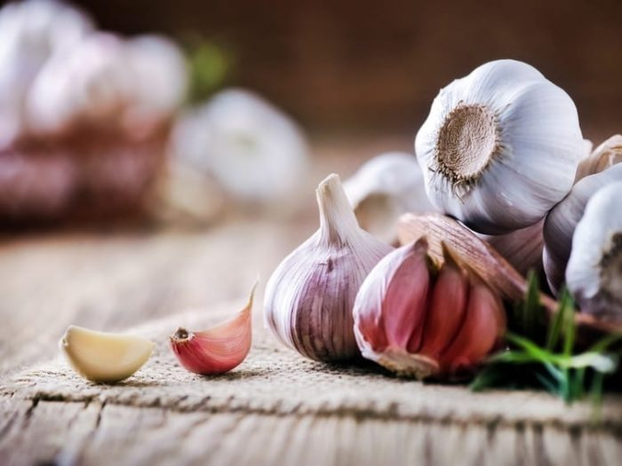 What are the health benefits of garlic?