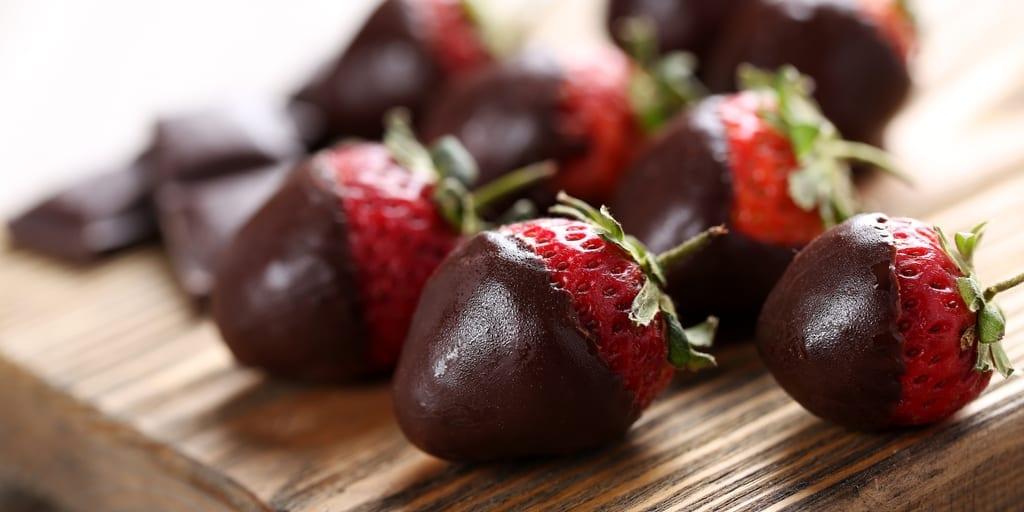 Keto Chocolate Covered Strawberries (Sugar-Free)