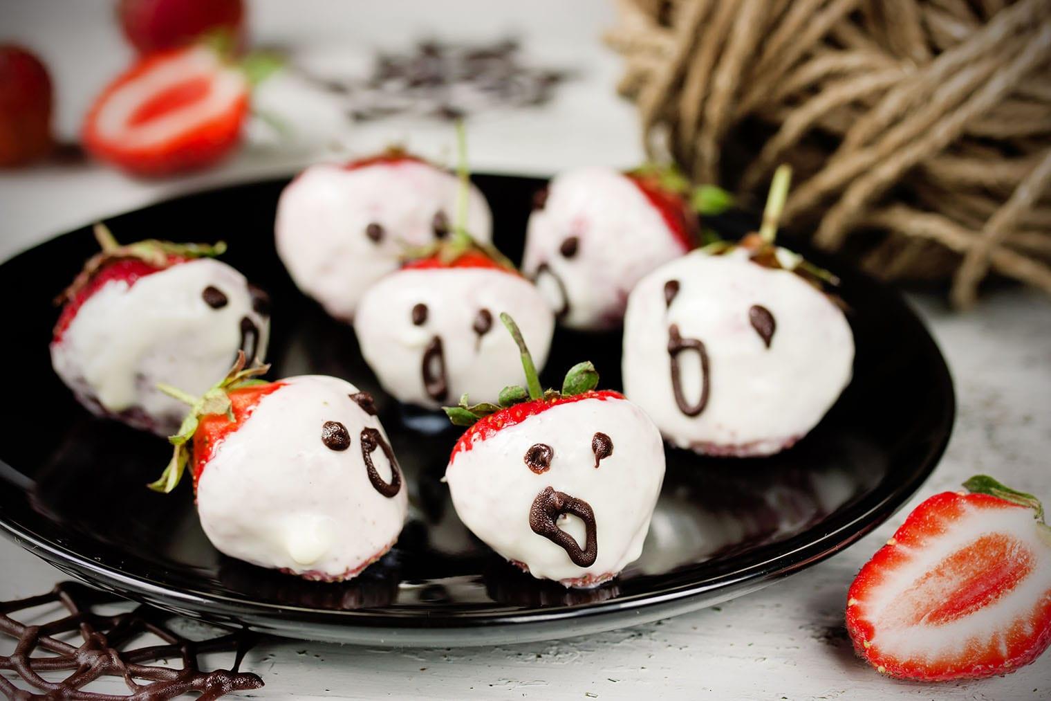 Chocolate Halloween Keto Strawberries