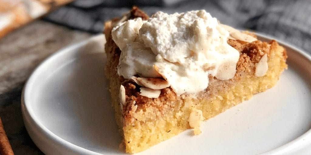 Low Carb Apple Cake with Apple Pie Crumble