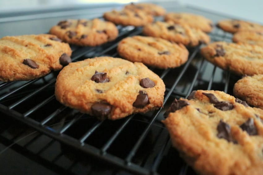 9 Keto Cookie Recipes for the Holiday Season!