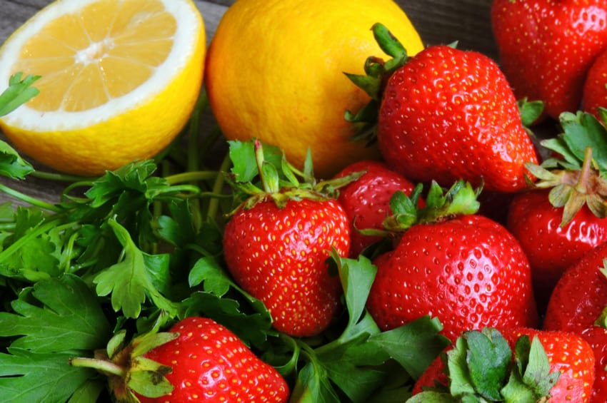 Eight Low-Carb Fruits That Are Nutrient-Dense and Delicious!