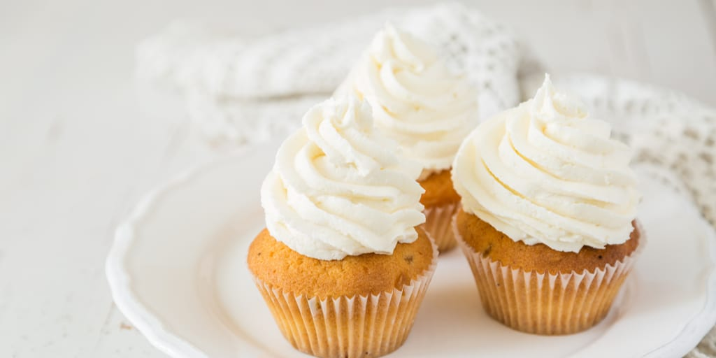 Keto Cream Cheese Frosting (Perfect for Cake and Cupcakes)