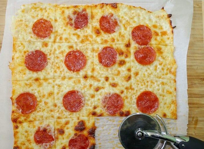 keto crustless pizza crackers
