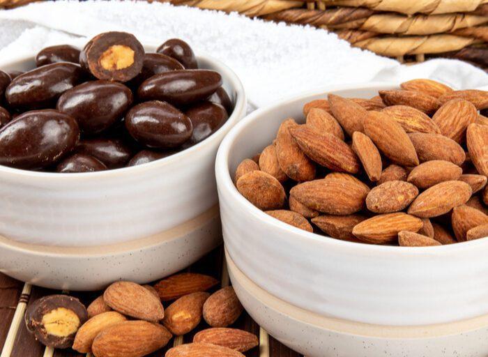 keto chocolate covered almonds