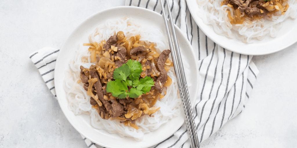 Garlic keto noodles with beef